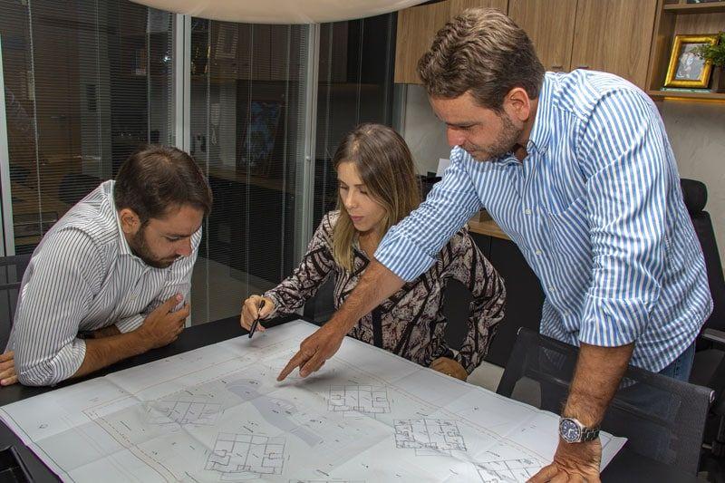 João Pedro, Paula e José Tanajura Filho - Sócios da Jequitibá Construtora